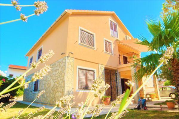 villa-casa-mia-20254ceb42e-5636-1195-7cf3-dbc6adbbe031C47A2E5B-76DD-7218-A409-E8B990E81439.jpg