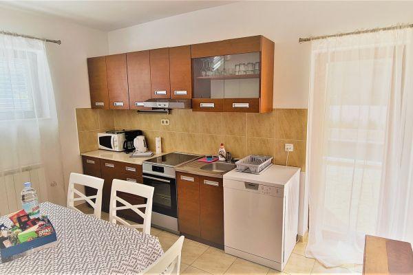 villa-casa-mia-apartment-a1-kitchen5c7ee90a-2ec3-9428-0e18-72014f8409071BEAA63E-7005-C184-45CF-E077328915A1.jpg
