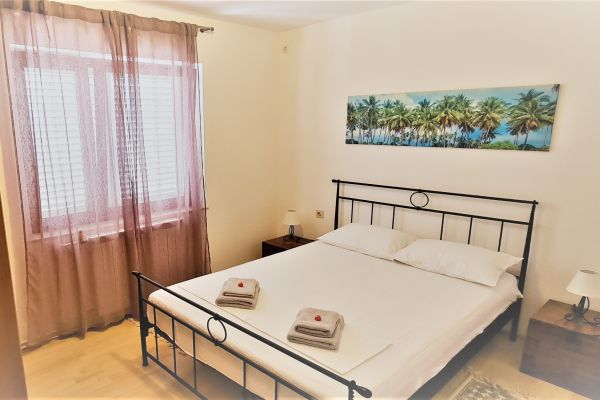 villa-casa-mia-apartment-a1-sleeping-room22d163f0-c87f-bc98-97c0-40fde8f54d12A7EA21D5-71C4-2E95-6A3A-D46175C252CD.jpg