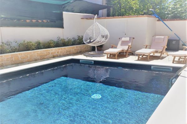 villa-casa-mia-house-swimming-pool8fd3f14b-0610-03b9-21db-5dd30793d8a627153690-818A-EF6E-09D2-C36FF0E5A3F2.jpg