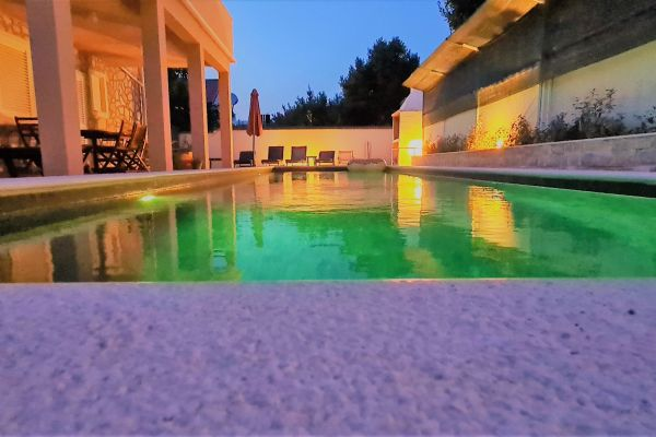 villa-casa-mia-swimming-pool-evening9102a0da-d2fb-f87a-df92-8e96fd6ba2a6293F5F7A-602D-5C60-4604-126EEC3F73B6.jpg